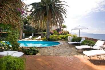 Italy Beachfront Villa Tropic