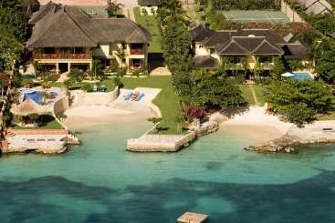 Jamaica Rockstar Retreat, Luxury Villa Whispering Waters on the Beach